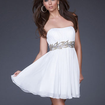 White A-line Strapless Neckline Mini Chiffon Graduation Dress