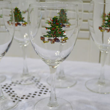 Vintage Wine Glass Set of 6 Christmas Tree Design Holiday Stemware Glassware PanchosPorch