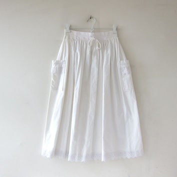 Vintage White Cotton Skirt. Mini Length Skirt. High Waist Skirt. Bohemian Preppy.