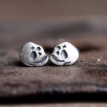 2016 New 925 Sterling Silver Skull Ghost Head Ear Stud Retro Gothic Punk Style Earrings Men Women Fashion Jewelry