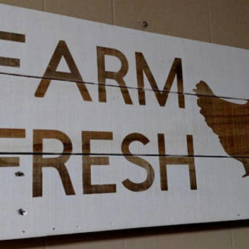 Farm Fresh Sign - Farmhouse Sign - Farmhouse Decor - Country Decor - Rustic Kitchen Decor - Country Wall Decor - Rustic Sign - Chicken Decor