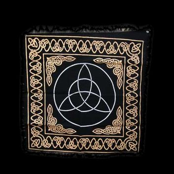 "Triquetra Altar Cloth 24"" x 24"" Black & Beige"