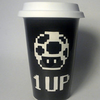 1 up mushroom 8 bit etched ceramic travel mug black