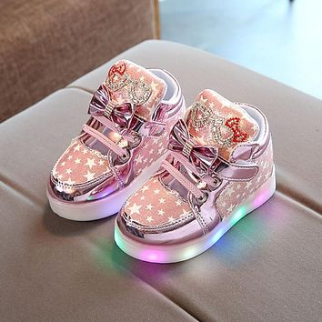 2017 Kids Casual Lighted Shoes Girls Glowing Sneakers Children Star Print Shoes With Led Light Baby Girl Lovely Boots