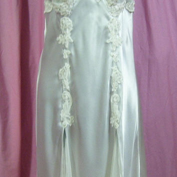 Satin Night Gown, Long Sexy, Off White, Victoria Secret, Size XS Extra Small, Bridal Honeymoon, Resort Cruise Wear