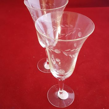 Laurel Leaf And Dots Sherry / Cordial Glasses