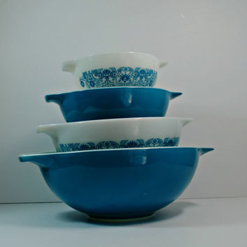 PYREX Horizon Blue Set of 4 Cinderella Mixing Bowls - (500.37)