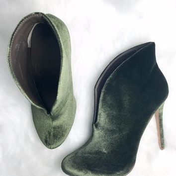 SZ 11 Sweet Emotion Olive Velvet Booties