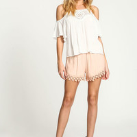 PEACH DAISY CROCHET CREPE SHORTS