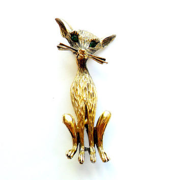 Vintage Siamese Cat Brooch Green Rhinestone Eyes Gold Tone Metal Stylized Mid Century Figural Unsigned Beauty