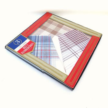 1960s Mens Cotton Handkerchiefs / Plaid Mens Hankies / Tartan Fabric in Original Box Set of 3