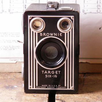 Vintage Kodak Brownie Target Six 16 Box Camera