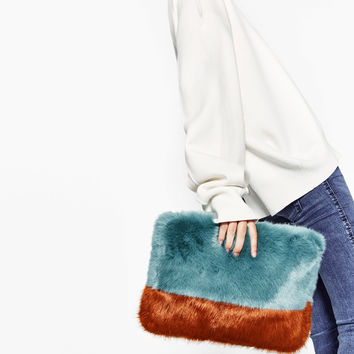 FAUX FUR TWO-TONE CLUTCH BAG DETAILS