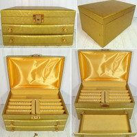 Vintage Gold Damask Patterned Padded Buxton Jewelry Chest - Retro Display Case with Original Key - HollyWood Regency Oversized Storage Box