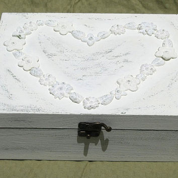 Creamy Shabby Chic JEWELRY BOX