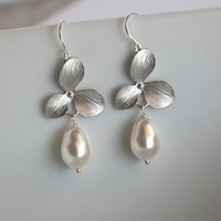 Orchid With Pearl Drop Earrings  wedding jewelry bride by untie