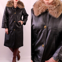 Vintage 60s - SILLS Bonnie Cashin - Brass Coach Latch Buttons - Raccoon Fur Collar - Black Leather Swing Coat - Retro Mod - Great Condition
