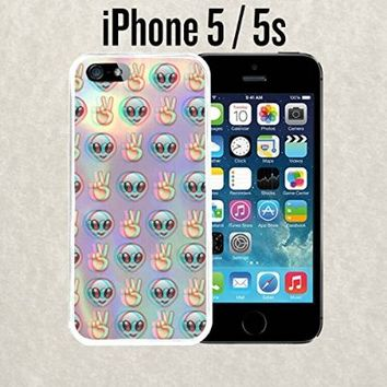 iPhone Case Psychedelic Alien Emoji Pattern for iPhone 5 / 5s Rubber White (Ships from CA)