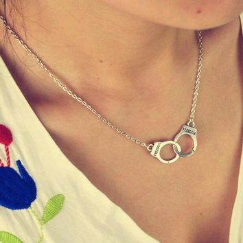 jewelry handcuffs necklace pendant necklace women / girl lover valentine's day gifts