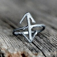 OVATE - TEIWAZ RUNE RING