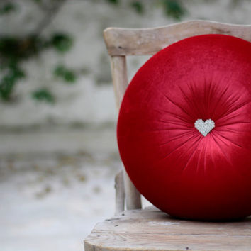 Red velvet round pillow with heart-shaped crystal/rhinestone button 16""