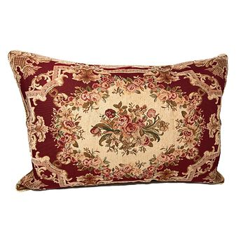 Tache 1-2 Chenille Woven Floral Holiday Red Rose Pillow Sham (DSC0022)