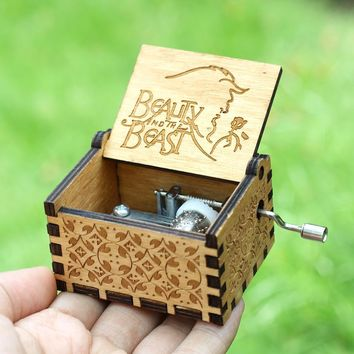 Star Wars Force Episode 1 2 3 4 5 19 Style Hand Crank Theme Music beauty and the beast Island Princess Music Box  Davy Jones Game Of Thrones  AT_72_6