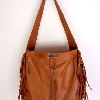 NAVAJO. Fringe leather shoulder bag / tote bag. Available in different leather colors.