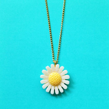 "Handmade ""Art Deco"" Daisy Necklace Cream and Yellow with Customizable Gold Chain"