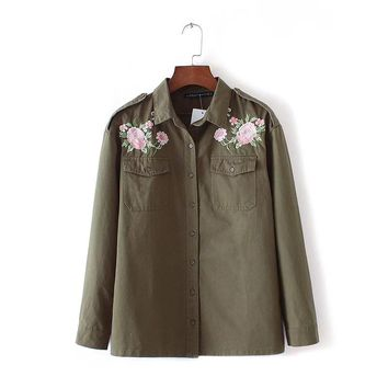 Women army green floral embroidery shirts long sleeve pockets buttons blouse ladies fashion casual loose tops blusas LT1099