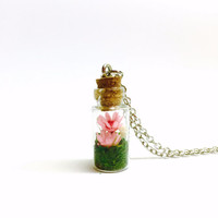 Terrarium Necklace, Terrarium Pendant, Floral Jewelry, Flower Terrarium, Tiny Dried Flowers, Glass Bottle Necklace, Boho Woodland Jewelry