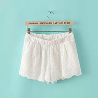 Lace Hollow out Shorts QZ704EE