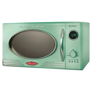 Retro Microwave in Green