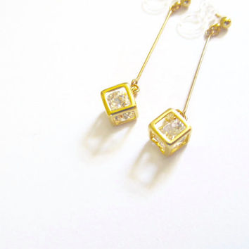Crystal in Cube Wedding Clip on earring |6D| Rhinestone clip on earring | Gold Dangle Clip on Earring | Non Pierced Earring | Bridal clipon