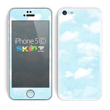 The Vintage Cloudy Skies Skin for the Apple iPhone 5c