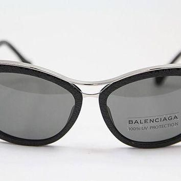 ONETOW balenciaga ba0032 01a black light ruthenium smoke 2