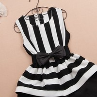 Black And White Stripe Dress Stitching