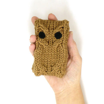 iPhone 4 iPhone 5 case iPod Touch Cover Android Phone Case Blackberry Case Knit Owl Droid Case Smartphone Cover Cafe Brown