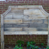 Curved Pallet  headboards by jessicaashlock on Etsy