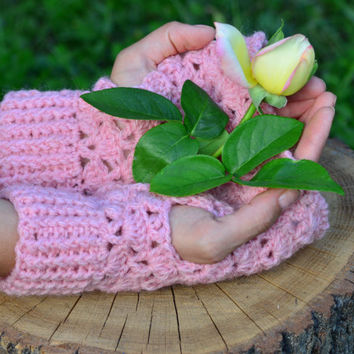 Crochet lace fingerless gloves, pink gloves, wool mittens, crochet wrist warmers, women texting mittens, open gloves crochet, gift for her