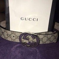 DCCK1 Mens Gucci Leather GG Buckle Belt Size 32-34 Inches
