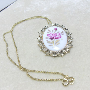 Cameo pendant brooch,  Hand Painted Flower Cameo Brooch Pendant gold tone chain, vintage jewelry, jewelry, cameo brooch, hand painted brooch