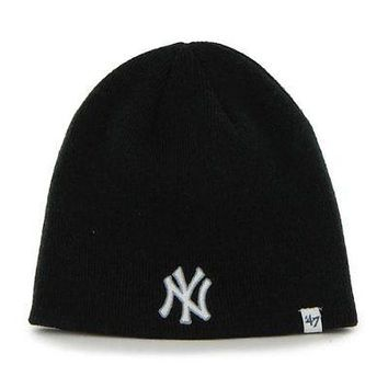 NEW YORK YANKEES BLACK KNIT HAT/BEANIE WITH OUT CUFF NEW & OFFICIALLY LICENSED