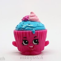 Shopkins Season 2 #2-052 Pink Cupcake Chic RARE Shopkin