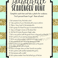 Printable bachelorette scavenger hunt game / bachelorette game / hen party game / bachelorette printable / scavenger hunt / drinking game
