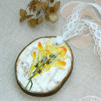 Dried flower necklace Nature Pressed flowers wood jewelry Real flower jewelry resin Botanical jewelry floral Wood pendant Natural Summer