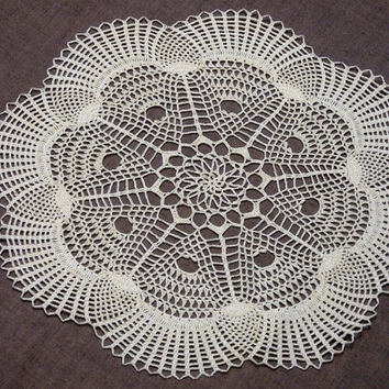 SALE - 15% OFF Cream, white or turquoise flower shaped pineapple crochet lace doily
