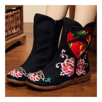 Old Beijing Cloth Embroidered  Dancing Shoes Splicing Women boots FLAT Vintage