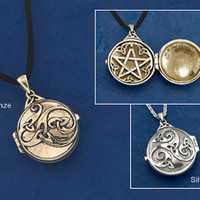 Pendants & Necklaces - Hidden Pentacle Locket