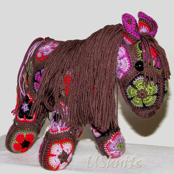 "Crochet stuffed toy pony ""Choco"""